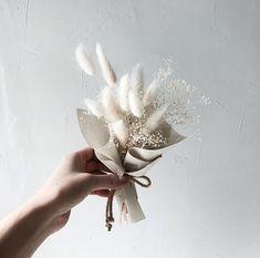 VANESS FLOWER https://instagram.com/p/BTOdEnBDzsI/