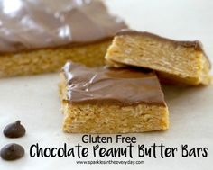 The Gluten Free Chocolate Peanut Butter Bars are so easy to make, they don& need baking and they are delicious.very hard to stop at one! Peanut Butter Chocolate Bars, Best Peanut Butter, Gluten Free Chocolate, Chocolate Recipes, Gluten Free Desserts, Dairy Free Recipes, Delicious Desserts, Dessert Recipes, Healthier Desserts