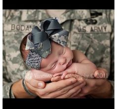 New Ideas For New Born Baby Photography : Military baby-I want to do something similar with Chloe holding the … - 3 Newborn Pictures, Baby Photos, Newborn Pics, Girl Pictures, Family Pictures, Baby Boys, Twin Babies, Baby Daddy, Military Baby Pictures