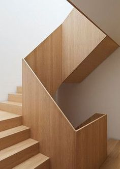 Modern Staircase Design Ideas - Stairs are so usual that you don't provide a second thought. Look into best 10 instances of modern staircase that are as magnificent as they are . Wooden Staircase Design, Interior Staircase, Staircase Remodel, Staircase Railings, Stairs Architecture, Wooden Staircases, Staircase Ideas, Staircase Decoration, Stair Design