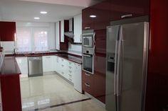 cocina+burdeos+rojo+y+blanco+valdemoro+linea+3+cocinas.jpg (1037×692)