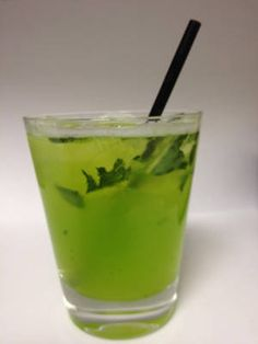 The Best Cocktails to Sip on St. Patrick's Day: Green Lady #cocktails