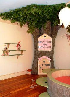 kidsroom kinderkamer, even een boom opzetten...