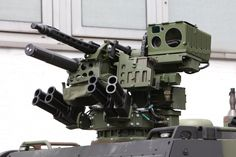 """KMW's """"Remote-controlled Light Weapon Station FLW 100"""""""