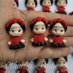 Clay Wall Art, Clay Art, Polymer Clay Disney, Frida And Diego, Ideas Para Fiestas, Polymer Clay Projects, Air Dry Clay, Cold Porcelain, Polymer Clay Earrings