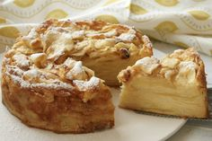 Invisible apple pie - Video recipe by Il Cucchiaio d'Argento Easy Cake Recipes, Sweets Recipes, Tea Recipes, Apple Recipes, Fun Desserts, Fall Recipes, Cooking Cake, Easy Cooking, Cooking Recipes