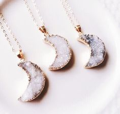 I'm really loving Star/moon jewelry these days and the stone is stunning~