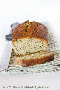 Lemon poppy seed pound cake ovvero cake al limone e semi di papavero