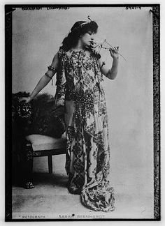 Sarah Bernhardt being Cleopatra in the 1890 production of Victorien Sardou's Cléopâtre and the 1899 production of Shakespeare's Antony and Cleopatra