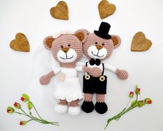 crochet wedding bear couple / wedding gift / teddy bears / marriage bride groom  This is a pair of lovely amigurumi wedding bears - the bride in white dress with bridal veil and flowers in...@ artfire