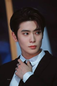"""""""he literally does the bare minimum and still looks this mf good"""" Winwin, Taeyong, Seoul, Rapper, Korean Boys Ulzzang, Jung Yoon, Valentines For Boys, Jung Jaehyun, Jaehyun Nct"""