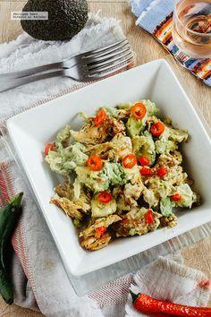 73 recetas para comer sano en el trabajo y sin usar microondas Gourmet Sandwiches, Diet Recipes, Chicken Recipes, Healthy Recipes, Recipies, Avocado Salat, Bruschetta, Pasta Salad, Potato Salad
