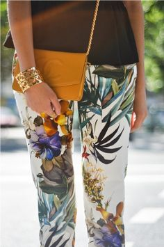 have a skirt made with this very same print...so I might wear these pants