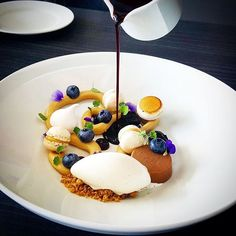Blueberry Soup, Dulcey Baked Cream and Vanilla Ice Cream by @vidal31 Create your culinary blog on Cookniche.com for free and start publishing your recipes, photos, culinary thoughts and videos, all in one place, and be a part of the international culinary scene. Direct link in bio.