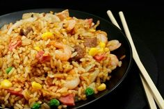 How to Make Fried Rice Like a Japanese Steakhouse's Version **Start to Finish**: 20 minutes**Servings**: 4 to Level**: IntermediateThe classic Japanese steakhouse features teppanyaki tab Rice Recipes, Asian Recipes, Cooking Recipes, Healthy Recipes, Cooking Rice, Simple Recipes, Japanese Fried Rice, Japanese Steakhouse, Making Fried Rice
