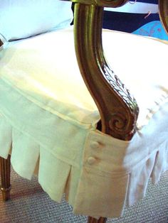 Look, Ma! I'm Sewing Slipcovers: Monogrammed dining chairs in white linen