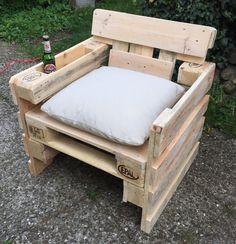 Garten Lounge Sessel aus Europaletten  Sommer - Sonne - Gartenzeit !!!!!!!  Ein geniales Möbelstück für Ihre Terrasse oder den Balkon.  Die Rückenlehne ist leicht schräg damit das Sitzen mehr...