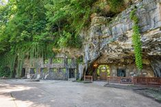 Beckham Creek Cave Lodge is a Lodge in Parthenon. Plan your road trip to Beckham Creek Cave Lodge in AR with Roadtrippers. Beckham, Zombie Proof House, Underground Hotel, Bomb Shelter, House On The Rock, Parthenon, Exterior, Lodges, Best Hotels