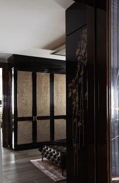 back gilded glass panels on lacquer.......: KNIGHTSBRIDGE RESİDENCE LONDON...