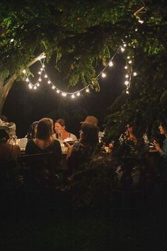 » bohemian living » free spirit » gatherings » boho picnic » dinner party » outside dining » bonfires » earth child » outdoor party decor » living free » elements of bohemia »