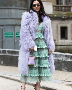 ideas fashion week paris street style long coats for 2019 Only Fashion, High Fashion, Womens Fashion, Street Fashion, Trendy Fashion, Petite Fashion, Fashion Fashion, Fashion Tips, Pastel Fashion