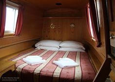 Getting rocked gently to sleep on a canalboat...  heaven! #travel #uk #nottinghamshire http://www.tourabsurd.com/narrowboats-dream-river-canal-nottingham-uk/