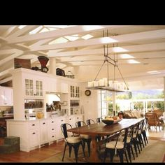 Gorgeous dinning room