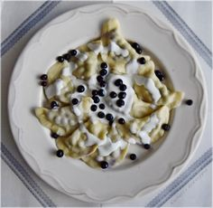 Pierogi z borówkami Pierogi, Oatmeal, Breakfast, Kitchen, Food, The Oatmeal, Morning Coffee, Cooking, Rolled Oats
