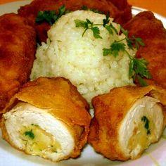 Egy finom Sajtkrémes göngyölt csirkemell ebédre vagy vacsorára? Sajtkrémes göngyölt csirkemell Receptek a Mindmegette.hu Recept gyűjteményében! Mashed Potatoes, Chili, Bacon, Chicken, Ethnic Recipes, Food, Humor, Whipped Potatoes, Chile
