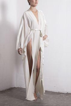Selene  100% silk chiffon kimono with silk satin panels and strap.   $6,500 MXN  Free Shipping WorldWide!    Store :: MarikaVera.com