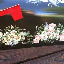 Beautiful hand painted mailbox.  Painted with acrylic paint and sealed/clear coated with car sealer to help prevent from the elements.