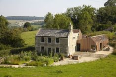 Starfall Farm is a rustic farmhouse that has been transformed by architecture firm Invisible Studio in the city of Bath in England. The original farmhouse was very pretty but had been extended in an unsightly Country Farmhouse Decor, Farmhouse Plans, Modern Farmhouse, English Farmhouse, Farmhouse Style, Victorian Farmhouse, Farmhouse Design, Cottage Style, Residential Architecture