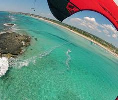kitesurf a torre san giovanni (marina di ugento) con la scuola kitesurf salento coast ovest