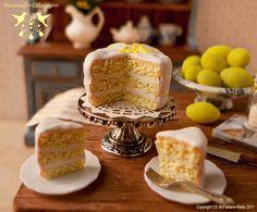dollhouse miniture cake....