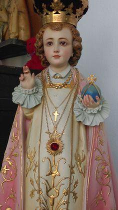 Santo Niño de Praga. XI Sagrada Coleccion de Jose Luis Castrillo de Guzman. Sevilla. España.