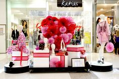 Valentines Day VM Display by our talented VM team at Westfield Helensvale! #ValentinesDay #shopdisplay #Westfield
