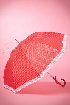 Mit diesem50s We Love Polkadots Umbrella in Redwird einen Regenschauer dich nicht mehr aus der Fassung bringen!Das wirst du nicht oft sagen, aber... hoffentlich wird es bald regnen! Dann kannst du nämlich diesen super niedlichen Regenschirm benützen! Dieser lustiger Schirm hat einen robusten Griff mit einer hübschen Schleife. Der Schirm ist hergestellt aus wasserdichtem Polyester in Rot mit niedlichen, weißen Polkadots und außerdem versehen mit s&...