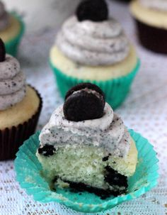 I am making these cookies and cream cupcakes for Kiersten's 10th birthday party at Rollins Lake Saturday OMG the best cupcakes I've ever had in my whole entire life you must try you won't believe it