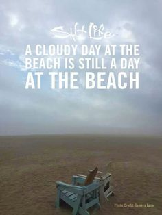 A cloudy day at the beach