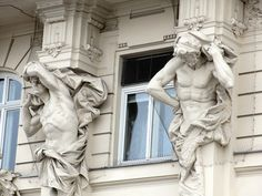 Atlas figures, Linke Wienzeile, Vienna, Austria.