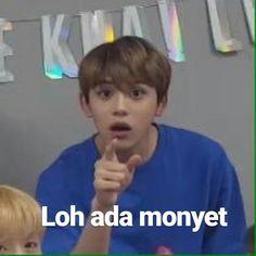 Blackbangtan X Exovelvet Shipper ! Memes Funny Faces, Funny Kpop Memes, Exo Memes, Cute Memes, Stupid Funny Memes, Funny Facts, Nct, Cheesy Lines, K Meme