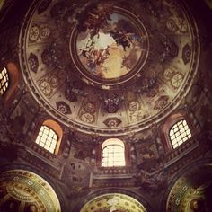 Sant'Apollinare Nuovo, #Ravenna - Instagram by @Ash Huang Huang Clark #mosaics