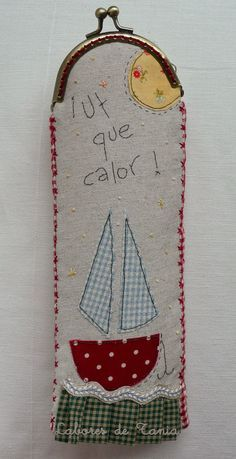 Labores de Tania: ¡Uf que calor! ...funda para abanicos. Lace Bag, Frame Purse, Diy Purse, Boho Bags, How To Make Handbags, Denim Bag, Beach Crafts, Quilted Bag, Glasses Case