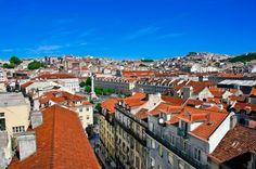 Lisbonne Europe // J'ai adoré toutes les collines de la ville et la vue que l'on peut avoir sur certains spot. Sur ces collines, on retrouve des parcs vert et petits café devant une vue superbe.