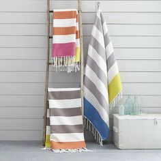 Our monogrammable Color Block Stripe Picnic Throw in classic stripes is the ideal accessory for a picnic party or a day at the beach. Simply roll it up and go.