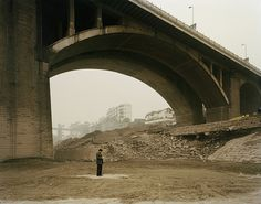 Artwork Yibin II (Counting Receipts), Sichuan Province by Nadav Kander