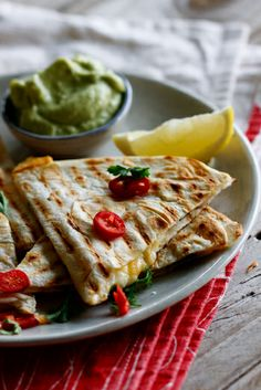Spicy chicken and feta cheese quesidillas with guacamole. Sounds good without the guacamole :) I Love Food, Good Food, Yummy Food, Mexican Dishes, Mexican Food Recipes, Greek Recipes, Cooking Photos, Cooking Recipes, Healthy Recipes