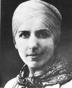 On February 6, 1959, Carson McCullers hosted a small luncheon party in order that seventy-four-year-old Baroness Karen Blixen-Finecke (Isak Dinesen) could meet Marilyn Monroe. The photo here is Isak Dinesen in her famous grey turban. Apparently the ladies got on famously.