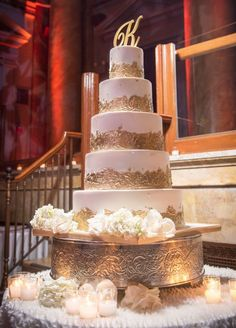 Featured Photographer: Brett Matthews Photography; Glamorous gold and white wedding cake