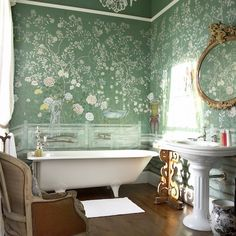 Furnishing ideas: The most beautiful interior & design trends - Tapeten Trends und Wandfarben - Home Sweet Home Chinoiserie Wallpaper, De Gournay Wallpaper, Chinoiserie Chic, Bad Inspiration, Bathroom Inspiration, Interior Inspiration, Interior Ideas, Interior Design Trends, Design Ideas